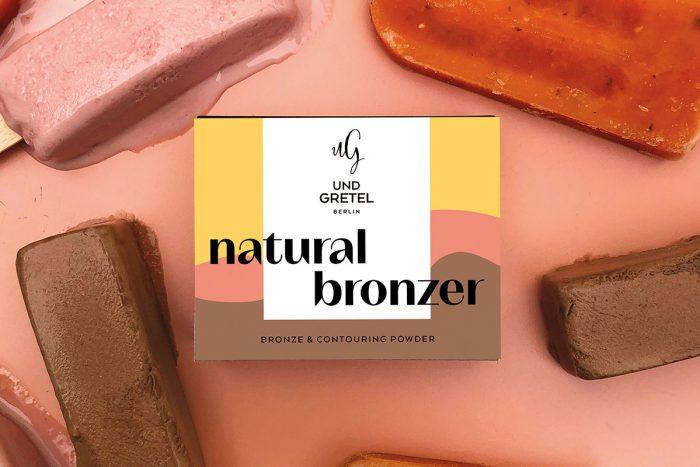 SUNNE Lifting Modellage Powder in der Farbe Bero ist der perfekte Bronzer um auch in der kühleren Jahreszeit zu strahlen. © Und Gretel Berlin