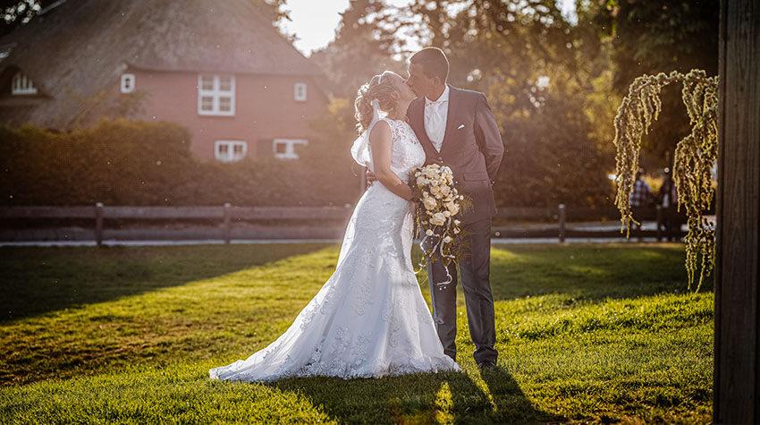 Cheese! Hochzeitfotografen halten eure schönsten Momente professionell fest. © Max Framke