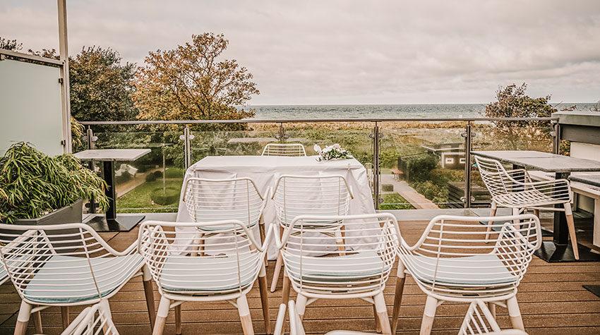 Eine Hochzeitslocation direkt am Meer garantiert ein unvergessliches Erlebnis. © Max Framke