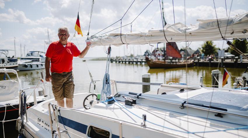Der Hafen Althagen in Ahrenshoop ist ein sehr schöner Ort, um mit dem Boot zu verweilen.