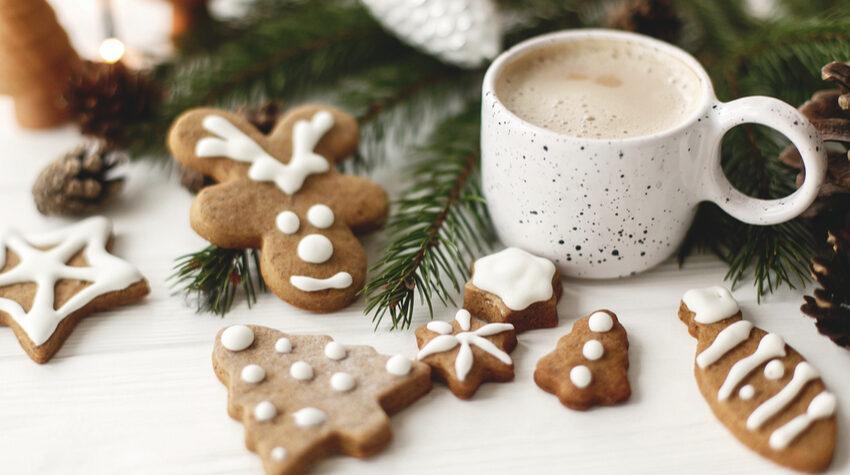 Wenn wir an die Weihnachtszeit denken, denken wir sofort an Lebkuchen, Plätzchen, Punsch und Glühwein. © Shutterstock, Bogdan Sonjachnyj