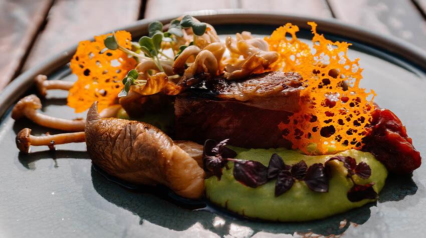 Ob für Fleisch- oder für vegetarische Gerichte: Die Gewürzmischungen werden auch in unseren Restaurants in Ahrenshoop verwendet.