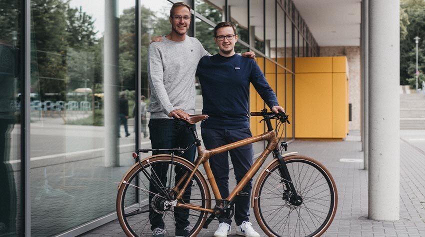Ein Auslandaufenthalt in Ghana brachte die Gründer auf die Idee, Bambus-Räder in Deutschland zu verkaufen. © Robert Strehler-my Boo