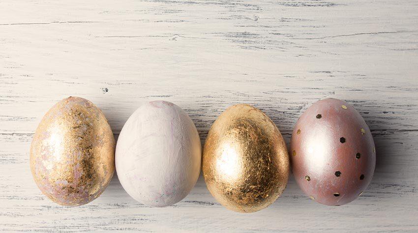 Wie kommt es eigentlich, dass der Osterhase als derjenige gilt, der die Eier versteckt?